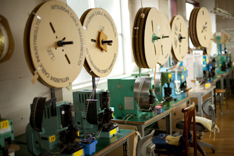 ワイヤーハーネスの電線切断工程